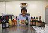 島酒泡盛 ほろよい紀行:工場直売所、全20銘柄が一同に―石垣島 請福酒造