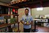 島酒泡盛 ほろよい紀行:樽熟成と、薬草入りハブ酒に出会う―石垣島 八重泉酒造