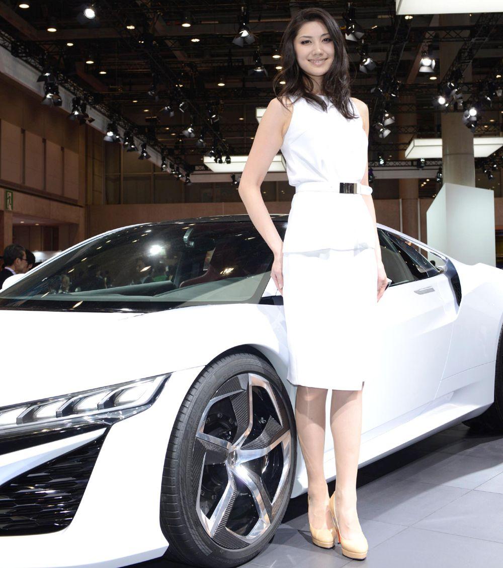 福岡モーターショー レポート 未来な車と美人 …