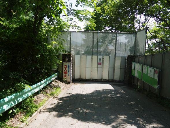 gates02.jpg