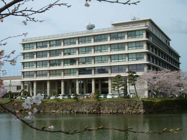 島根県庁舎(県ウェブサイトより)