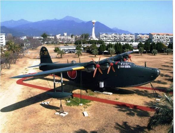 Jタウンネット         戦時中の大型飛行艇を公開 鹿屋航空基地史料館