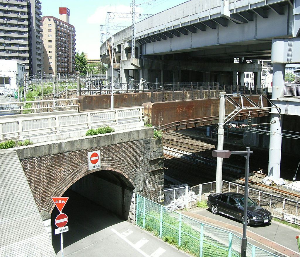 X橋(旧宮城野橋)(Kinoriさん撮影、Wikimedia Commonsより)