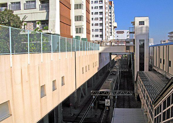 西台アパートと西台駅の間にある留置18番線