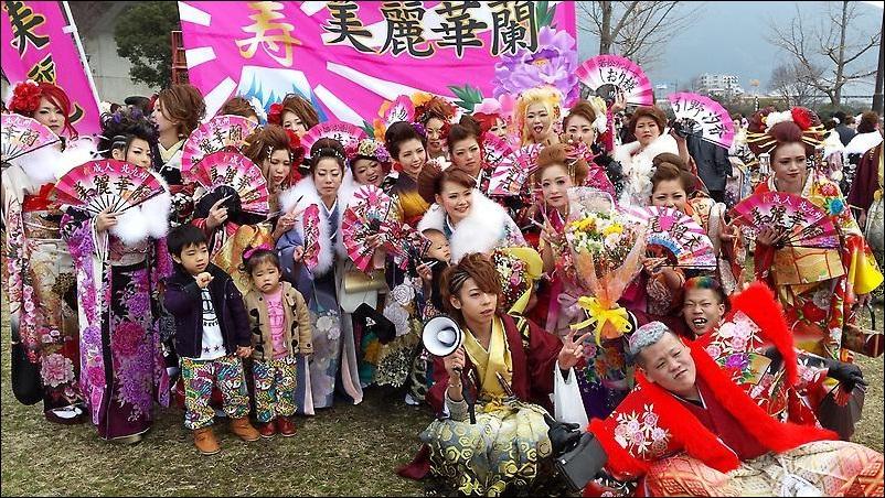 北九州市の成人式の様子(tmrskyさんのブログより)