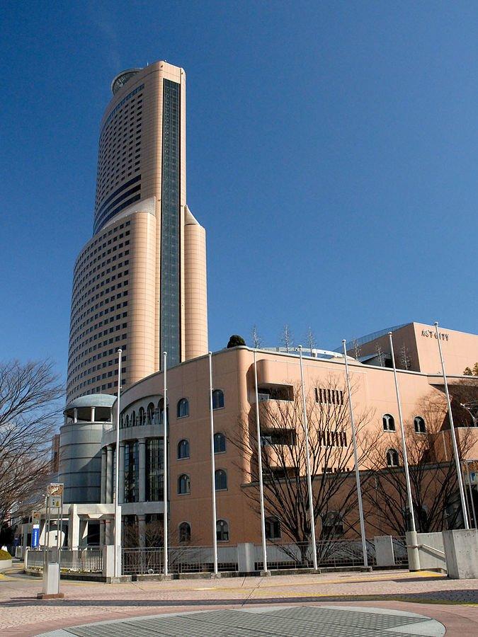 アクトシティ浜松(Ichitaroさん撮影、Wikimedia Commonsより)