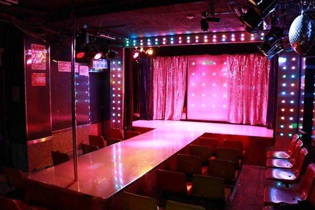 TSミュージックのステージ(劇場提供)
