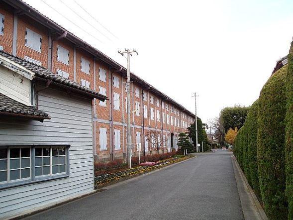 富岡製糸場東繭倉庫(Hasecさん撮影,Wikimedia Commonsより)
