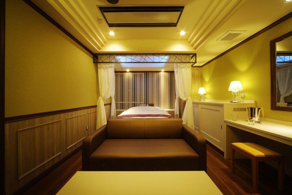 欧風ルームをイメージした105号室。5つ星