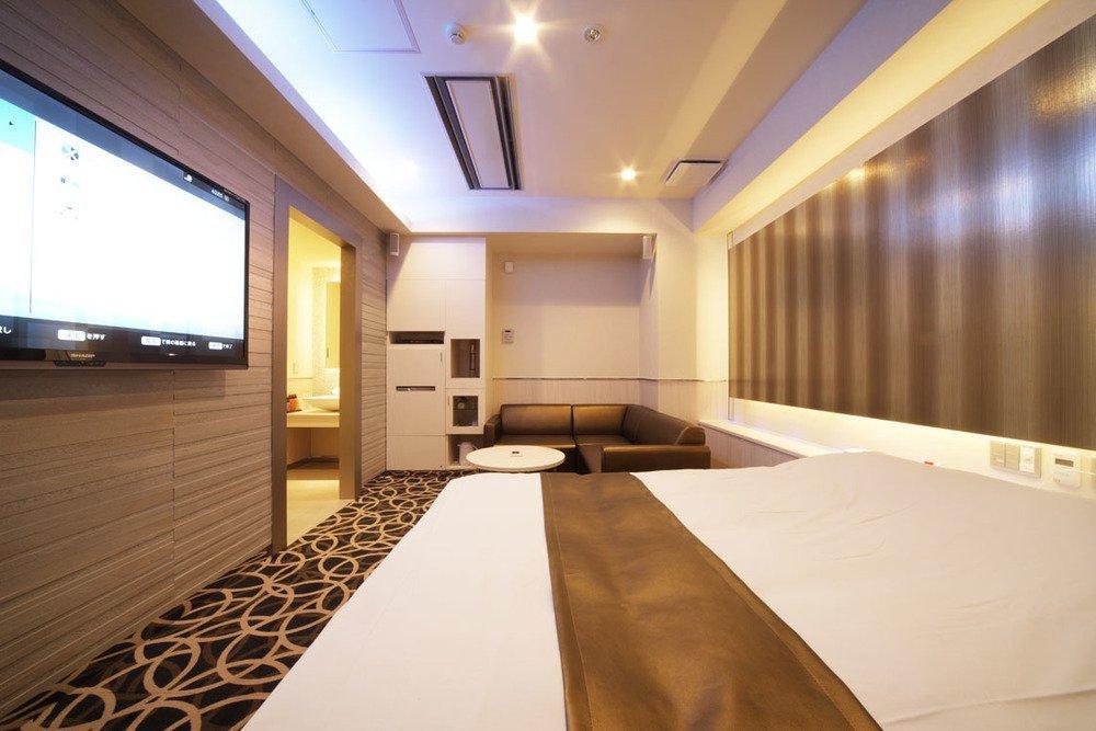 シアタールームを備え、映画鑑賞にピッタリの106号室。5つ星