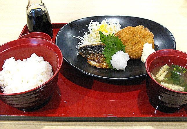 焼きさば&ポテトコロッケ&若鶏の唐揚げ膳