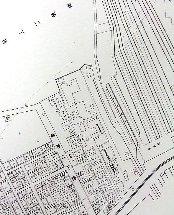 「ステイション新宿」(新宿歴史博物館)に掲載されている、1935年頃の新宿駅西~南口。