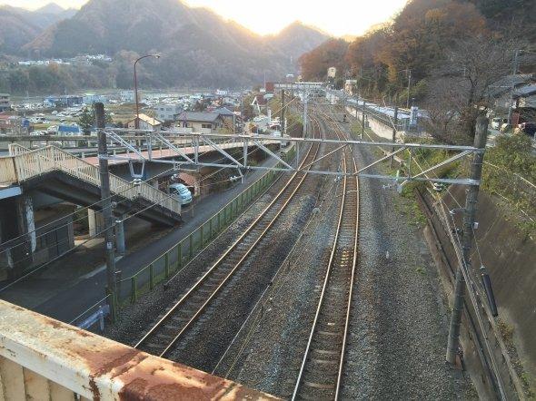 上野原駅前にて