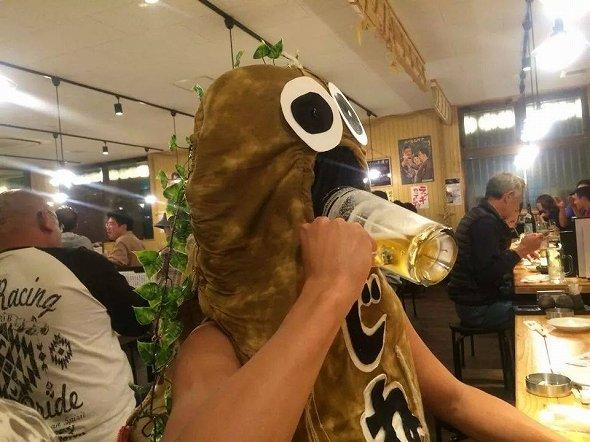 普通にビール飲んでるけど、大丈夫なのか
