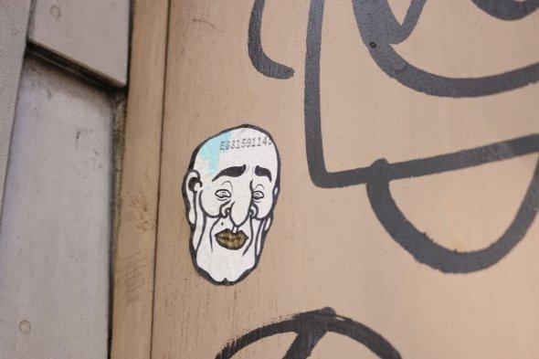 歌舞伎町を中心に大量に存在する謎の濃い顔のおっさんシリーズ