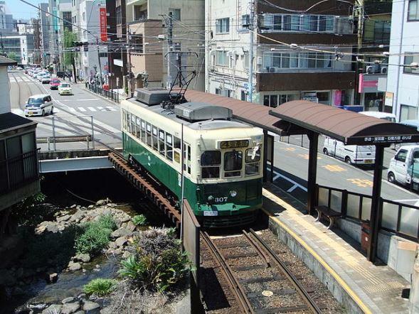 正覚寺下停留場(TRJNさん撮影, Wikimedia Commonsより)