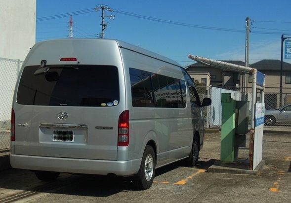 「ドライブスルー公衆電話」(画像提供:NTT西日本)