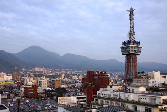 別府温泉(663highlandさん撮影、Wikimedia Commonsより)