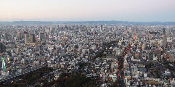 あべのハルカスから望む大阪市街(Mc681さん撮影、Wikimedia Commonsより)