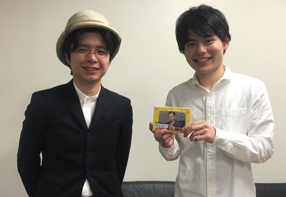 「AbemaPrime」のレポーターとして来社して下さった大牟田悠人さんと。T編集長は疲れ切って顔がこわばっている