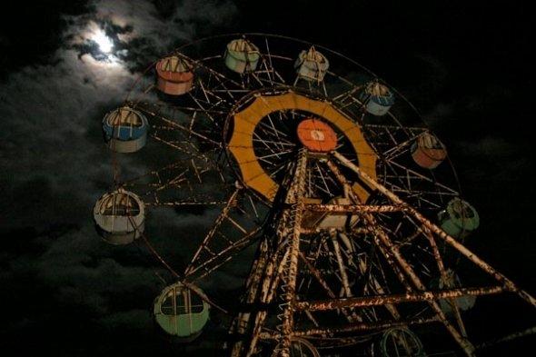 夜の観覧車(以下、画像は「TEAM廃墟」より)