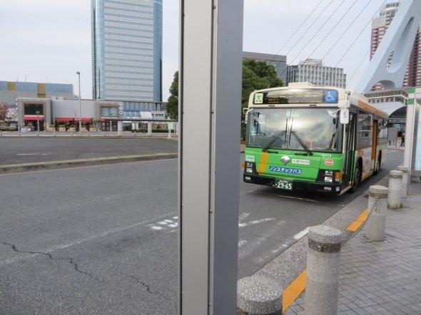 待ちわびたバス