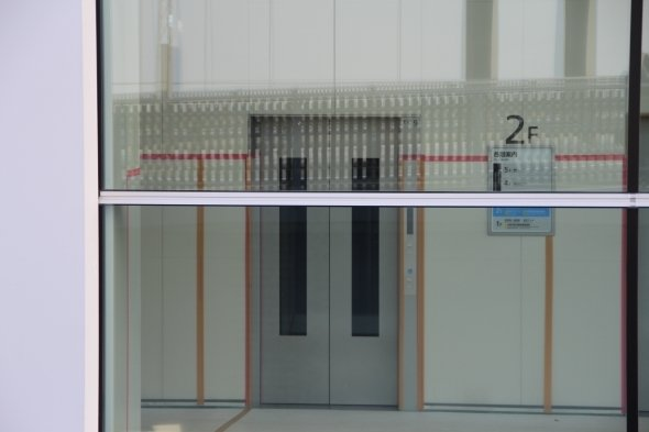 水産卸市場棟のエレベーター