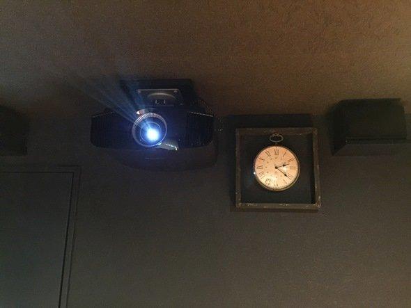 映像機材は、4Kプロジェクター。音響システムは「ドルビーアトモス」(画像提供:有限会社ならがよい)