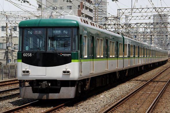 京阪電鉄6000系電車(JKT-cさん撮影、Wikimedia Commonsより)