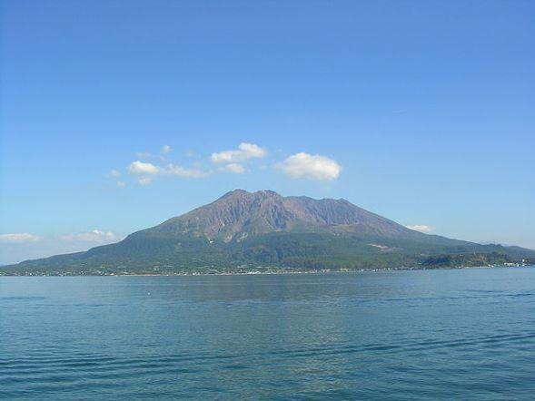 桜島(Communi coreさん撮影、Wikimedia Commonsより)