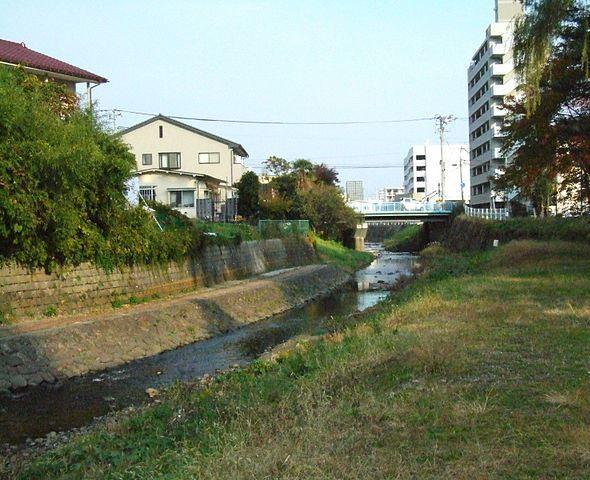 梅田川(Kinoriさん撮影、Wikimedia Commonsより)