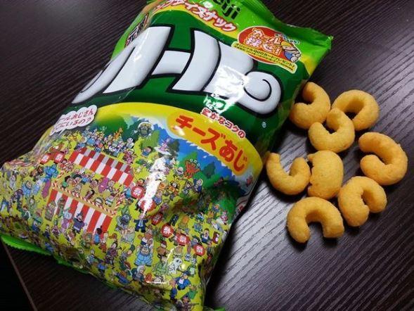 「カール」チーズあじ(編集部撮影)