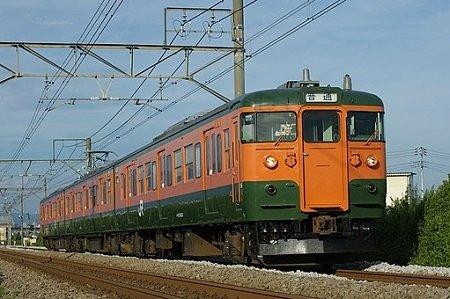 上越線を走る115系(Sui-setzさん撮影、Wikimedia Commonsより)