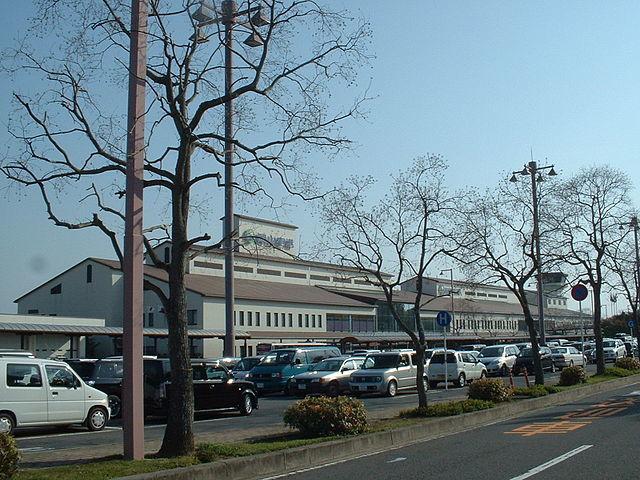 岡山空港の愛称、「岡山桃太郎空港」に(Wikipedia Commonsより)