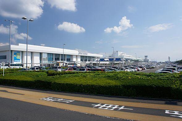 鹿児島空港(663highlandさん撮影、Wikimedia Commonsより)