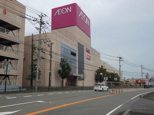 佐賀県上峰町のイオン上峰ショッピングセンター(Pekachuさん撮影、Wikimedia Commonsより)