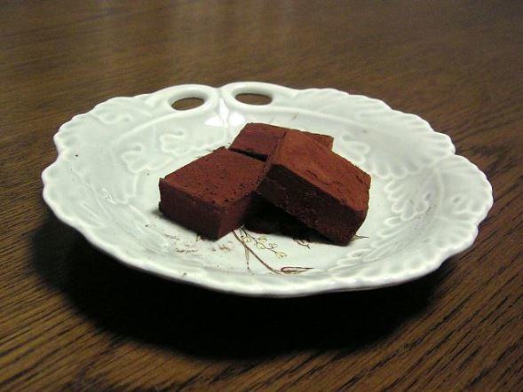 ロイズの生チョコレート(sirooziyaさん撮影、Wikimedia Commonsより)