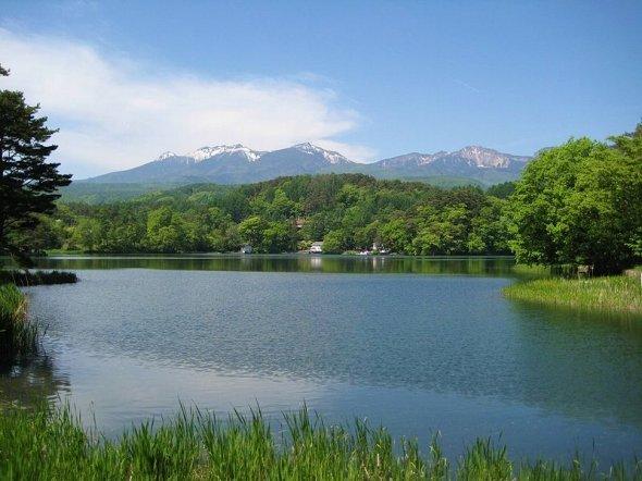 猪名湖(Qurren (talk) さん撮影、Wikimedia Commonsより)