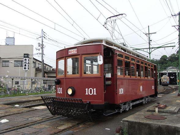 広島電鉄100形電車(Taisyoさん撮影、Wikimedia Commonsより)