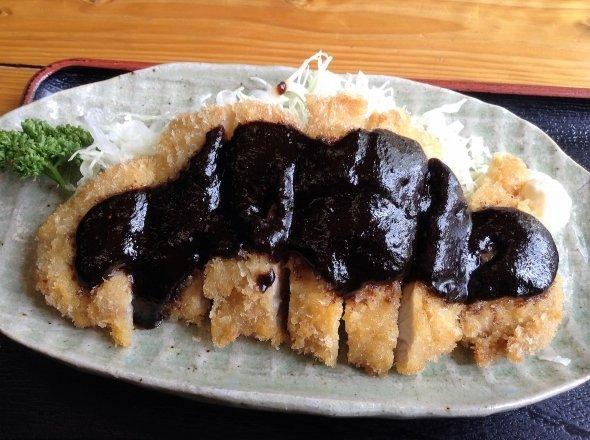 八丁味噌が使われる名古屋メシの1つ、味噌カツ