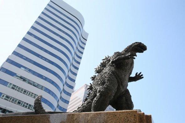 一時撤去されている旧ゴジラ像。同じ日比谷で移設される予定だ(TM&(C)TOHO CO., LTD.)