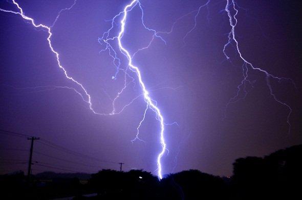 近年8月の落雷が増加してるんです(画像はイメージ)