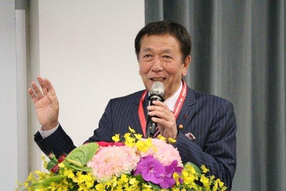 講演する櫻田会長