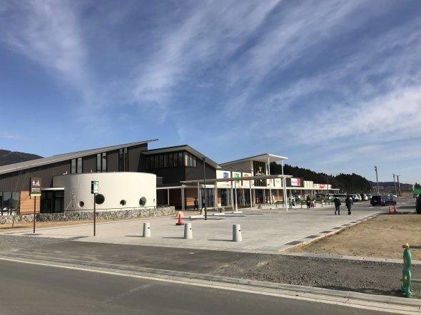 2017年4月にオープンした陸前高田の中核となる大型商業施設「アバッセたかた」。