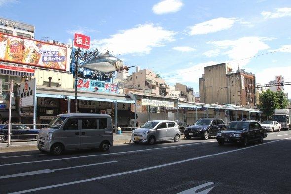 豊洲に移る店、築地に残る店...(2018年6月、Jタウンネット撮影)