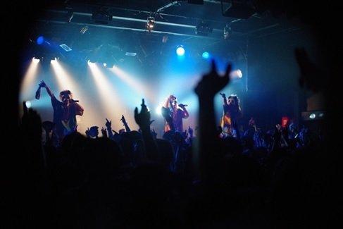 「PANDALION」のライブの様子(MOZさん提供。以下同)