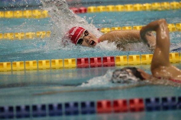 2018ジャパンパラ大会での、50m自由形競技中の水上真衣選手 写真提供・清水一二
