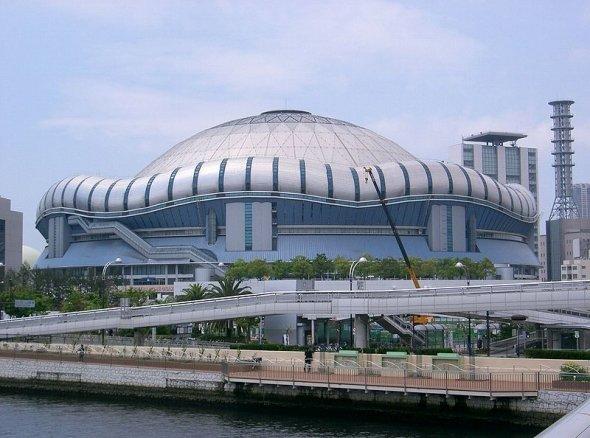 五大ドームの中でもひときわ特異なデザイン(KENPEIさん撮影、Wikimedia Commonより)