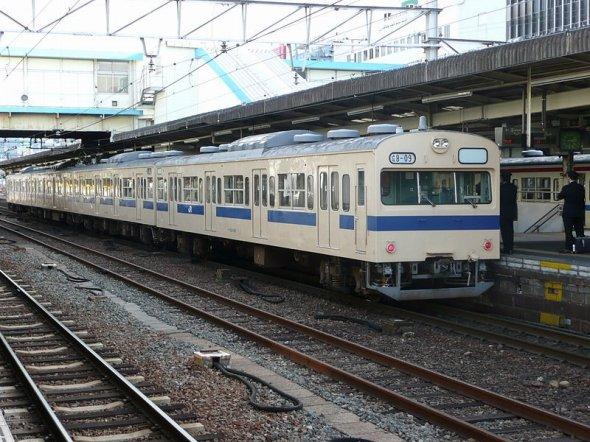 広島では2010年を過ぎてもすべての電車が国鉄時代の車両だった(ぺ有家音さん撮影、Wikimedia Commonsより)