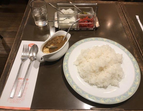 インドカレー チキンと玉子